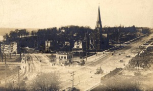 The Church of the Intercession in 1905; by 1911 apartment buildings  stretched up Broadway and covered Audubon Park (left in the picture).