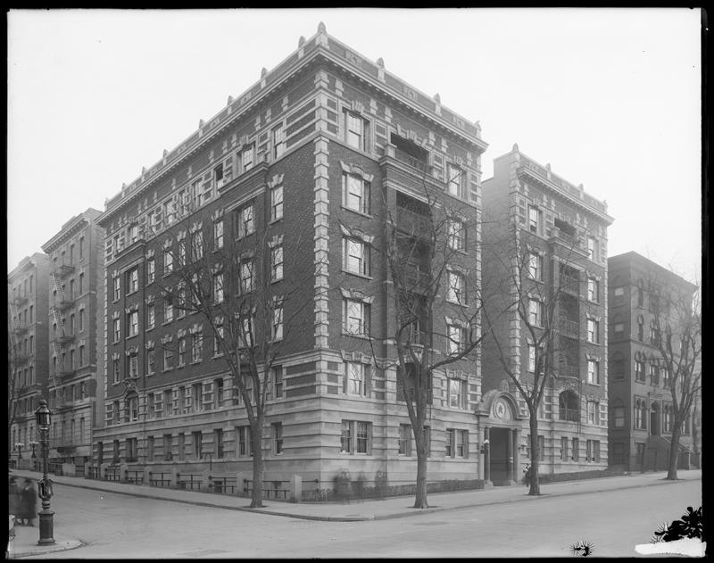 The Audubon Park Apartments circa 1910, with the Hospital for Incurables in the background. (Photo: Museum of the City of New York)